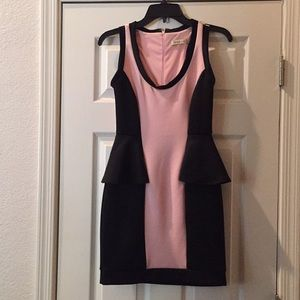 Peplum dress - Sz Small - Arden B